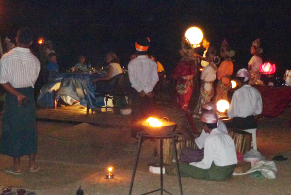 Temple dinner in Bagan (Photo - Ko Naw/Bagan - EMG)